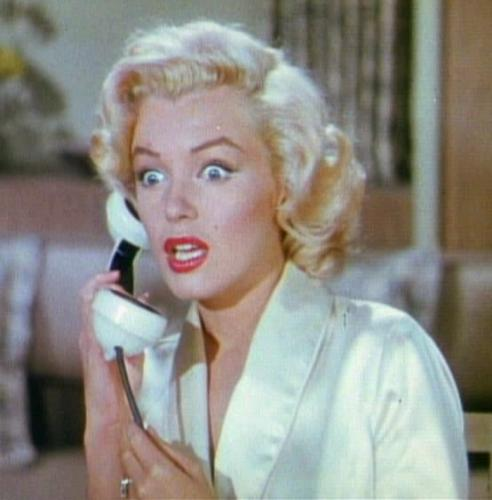 Gentlemen_Prefer_Blondes_Movie_Trailer_Screenshot_%2816%29.jpg