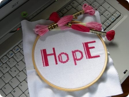 Hope chaine rose.jpg