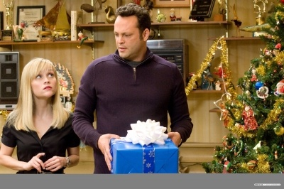 normal_FourChristmases-Stills_014.jpg